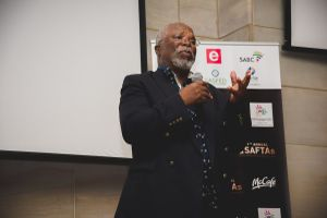 'Actors are the laziest bunch': John Kani dishes out advice to local actors