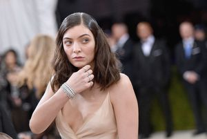lorde set for first no. 1 album on billboard 200 chart