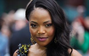 terry pheto is attending a lavish horse racing event in france