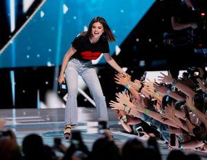 The Weeknd vuelve de París para celebrar el cumpleaños de Selena Gomez junto a ella…