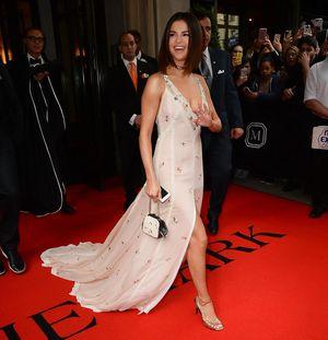 Selena Gomez da pistas de su nuevo vídeo 'Fetish', y va a ser INCREÍBLE