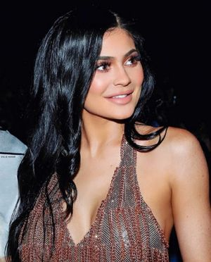 Cuidado con las sombras de ojos de Kylie Jenner, pueden producir dolor de cabeza