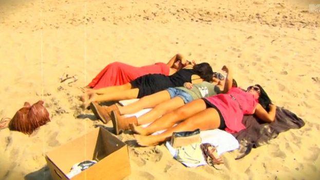 22. Las chicas tumbadas en la sin hacer millones de workouts primero. /MTV