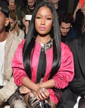 Nicki Minaj lo enseña todo en la Semana de la Moda de París
