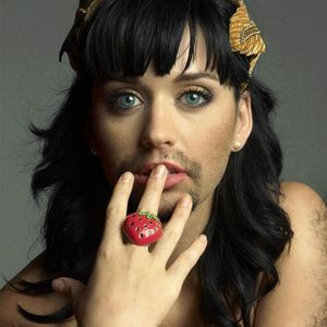 De Katy Perry à Alicia Keys : Les stars avec des barbes !