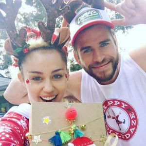 De Taylor Swift à Miley Cyrus : Les stars fêtent Noël !