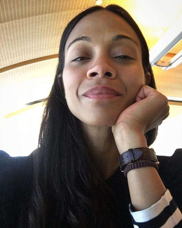 Questa è quasi imbattibile: Zoe Saldana, da vera ragazza del ghetto, ha fatto sesso nello spazio fra due vagoni della metropolitana di New York. Mentre stava andando.