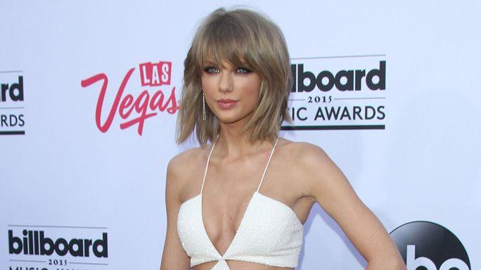 Taylor Swift manda ai suoi fans dei regali