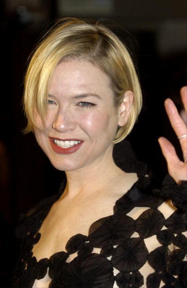 """Renée Zellweger la ricordiamo tutti per le sue forme arrotondate di """"Il diario di Bridget Jones"""" (2001)"""