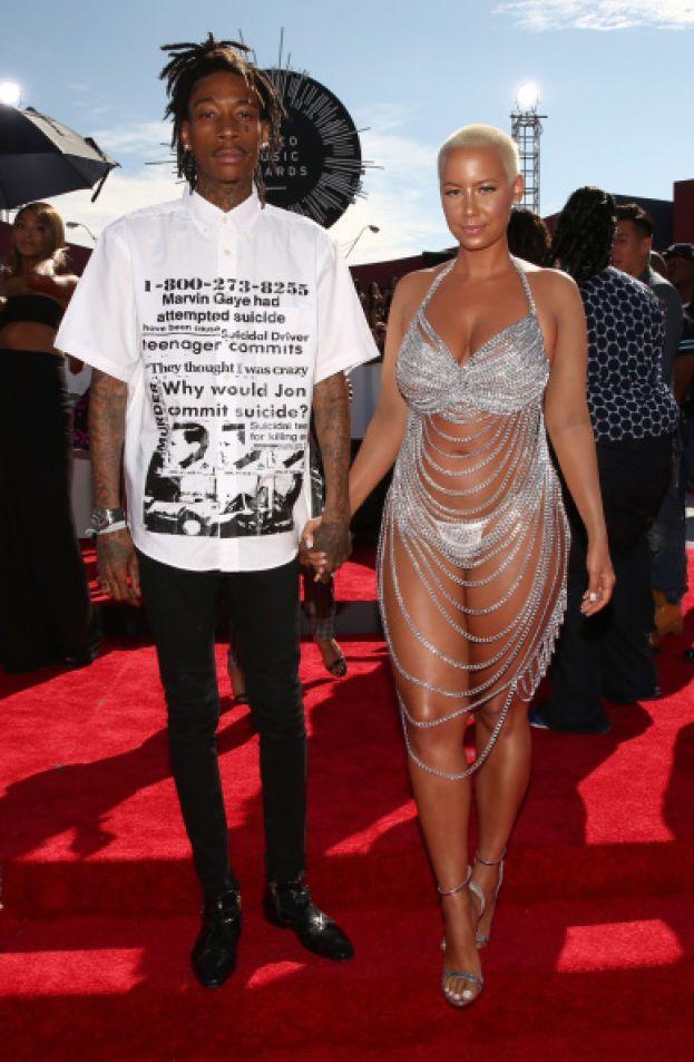 Wiz Khalifa e Amber Rose - L'8 luglio 2013 il rapper fa una sorpresona ai fan, annunciando con un tweet che lui e Amber si sono sposati. Per la cronaca, a fine 2014 hanno divorziato.