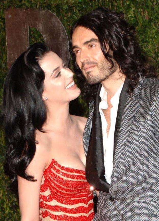 Katy Perry e l'attore Russell Brand si sono conosciuti agli MTV Video Music Award 2009: nel 2010 si sono sposati ma un anno dopo avevano già chiesto il divorzio