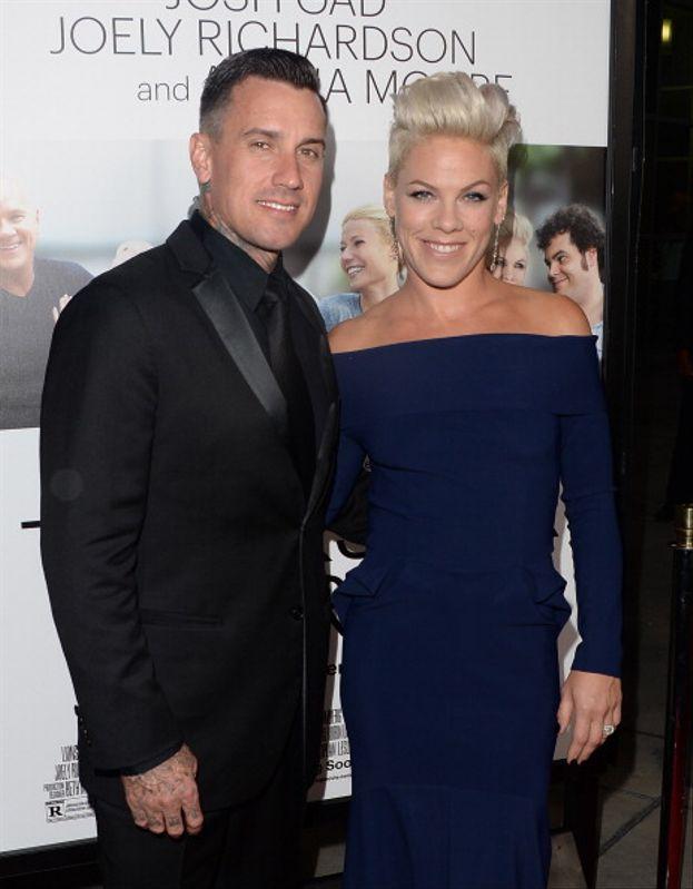 Pink e Carey Hart - La popstar e il pilota di motocross si sono sposati nel 2006 e due anni dopo si sono separati. Senza divorziare, però: dopo un po' di mesi hanno ricominciato a vedersi, hanno fatto terapia di coppia e adesso vanno a gonfie vele.