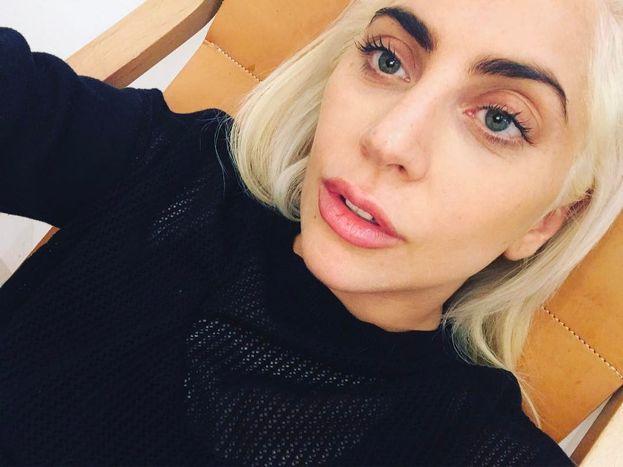 Lady Gaga è stata trovata morta in una stanza di hotel nel 2011. Anzi no, è morta in un incidente stradale nel 2013.