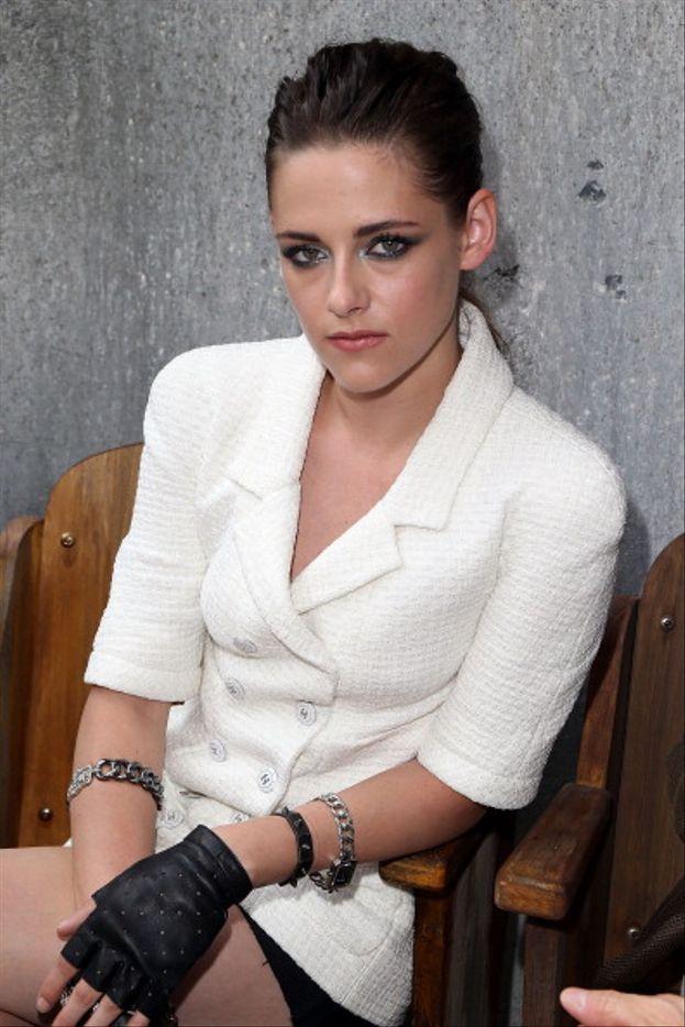 Kristen Stewart - Crema idratante a gogo, crema antirughe per gli occhi, e minimo otto ore di sonno a notte.