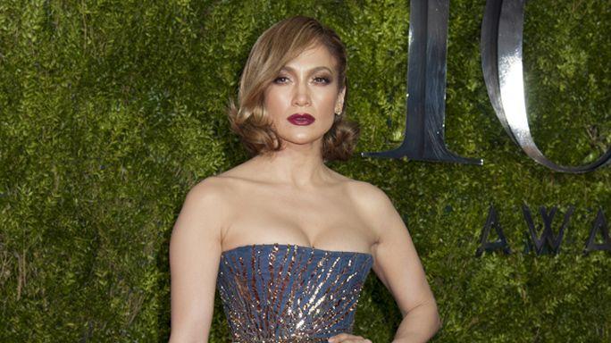 Jennifer Lopez: un database per scegliere gli abiti