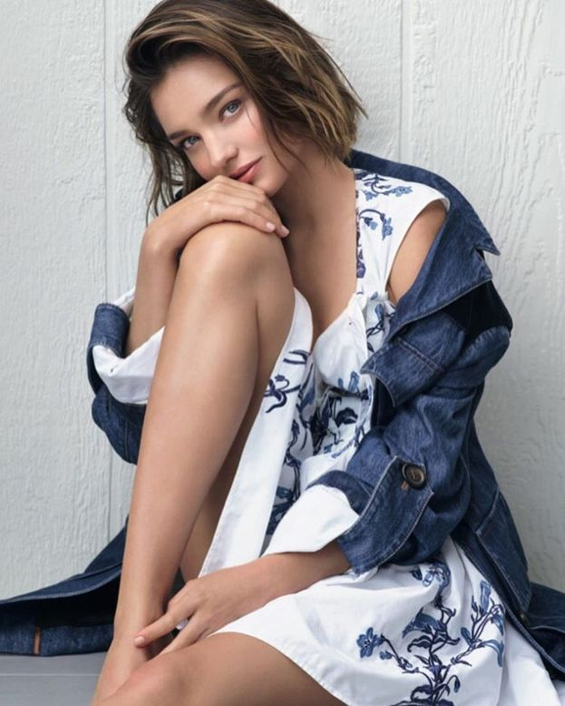 """Miranda Kerr - Dopo la fine della relazione con Orlando Bloom, ha detto: """"Mi piacciono sia gli uomini che le donne. Adoro il corpo femminile. Voglio esplorare, mai dire mai"""". Ha esplorato? Non ha esplorato? Chissà..."""