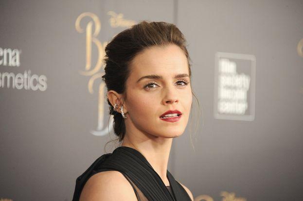 """Emma Watson: """"Non ho denti perfetti, non sono magra come una modella. Voglio essere una persona che si sente a suo agio nel proprio corpo e che non vuole cambiare niente. Credo che le attrici che hanno davvero successo sono quelle che si sentono bene nella propria pelle e che sembrano sempre degli esseri umani""""."""