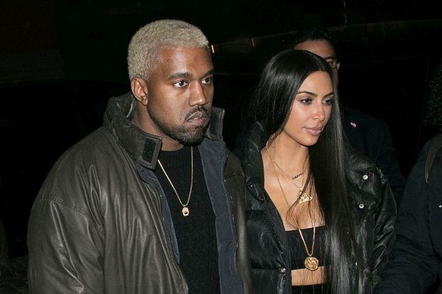 A prima vista Kanye non sembrerebbe una persona paziente, invece ha aspettato ben nove anni per riuscire a sposare la donna dei suoi sogni! Già nel 2006, aveva dichiarato la sua cotta per la futura moglie Kim Kardashian