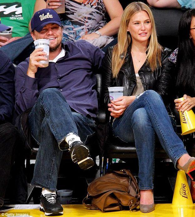 Bar Refaeli - Finita con la Bundchen, DiCaprio è passata ad un altro degli angeli di Victoria's Secrets: una storia durata, tra alti e bassi, dal 2005 al 2011.