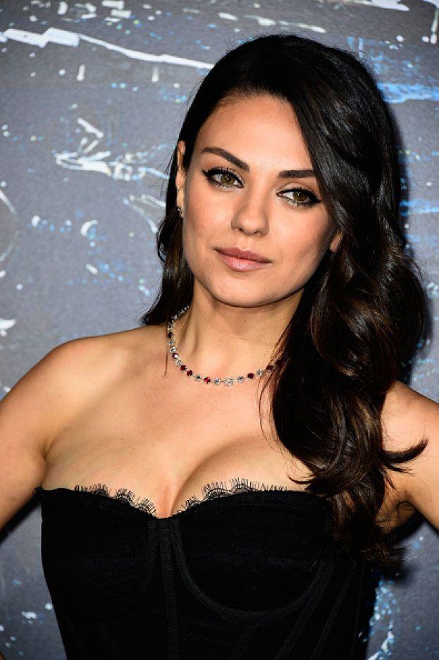 Per lei non sono il naso o le orecchie o le cosce: Mila Kunis ha detto che non si sente affatto una donna attraente. In effetti, è la prima cosa che uno pensa guardandola...