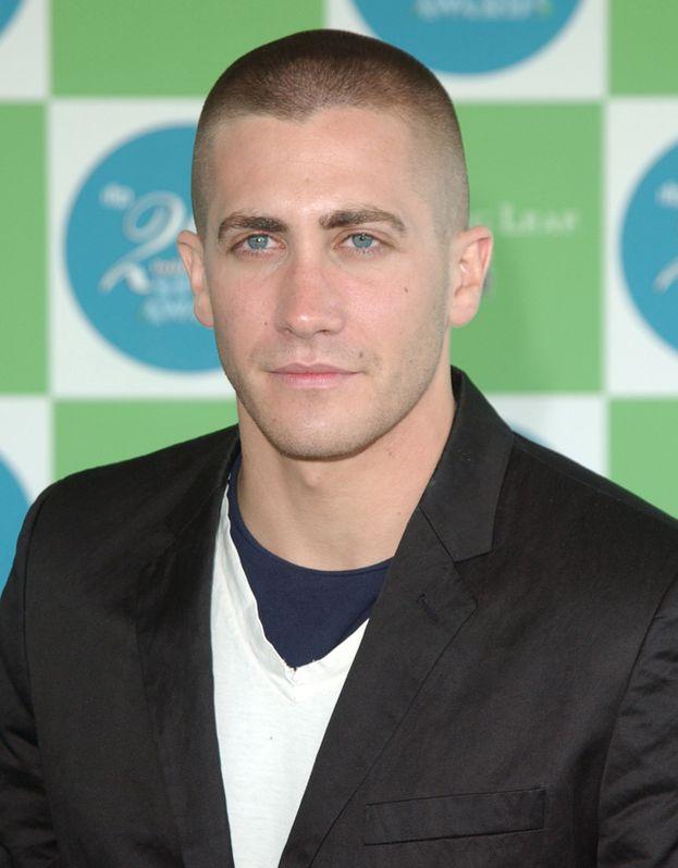 """Jake Gyllenhaal nel 2005: lo preferisci così o i capelli """"normali""""?"""