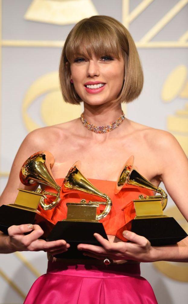 """Taylor Swift: """"La felicità non è una costante. Ogni tanto ne cogli dei barlumi: devi combattere per quei momenti, ma valgono ogni sforzo""""."""