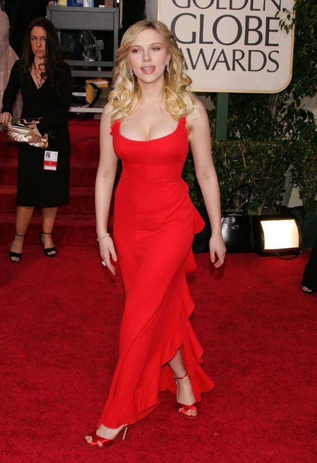 """Ultimo studio """"scientifico"""": questa volta la sezione aurea è stata applicata alle proporzioni fra busto, vita e fianchi per definire il corpo ideale. Vince Scarlett Johansson (rieccola), che si avvicina alla perfezione dei Greci del 96,4%."""