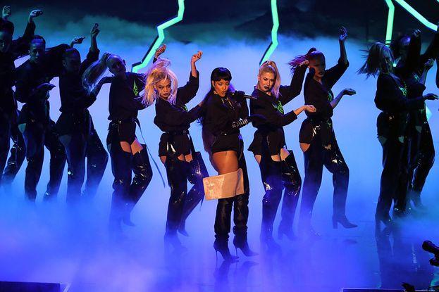 Ancora Rihanna, scatenata ai VMA.