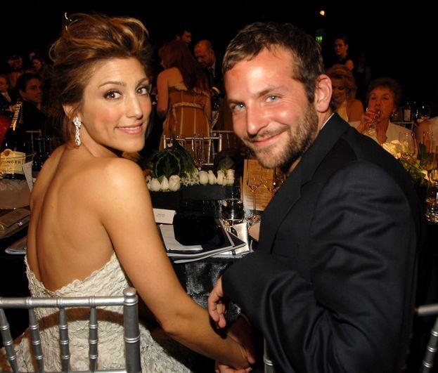 Bradley Cooper e Jennifer Esposito: 4 mesi.