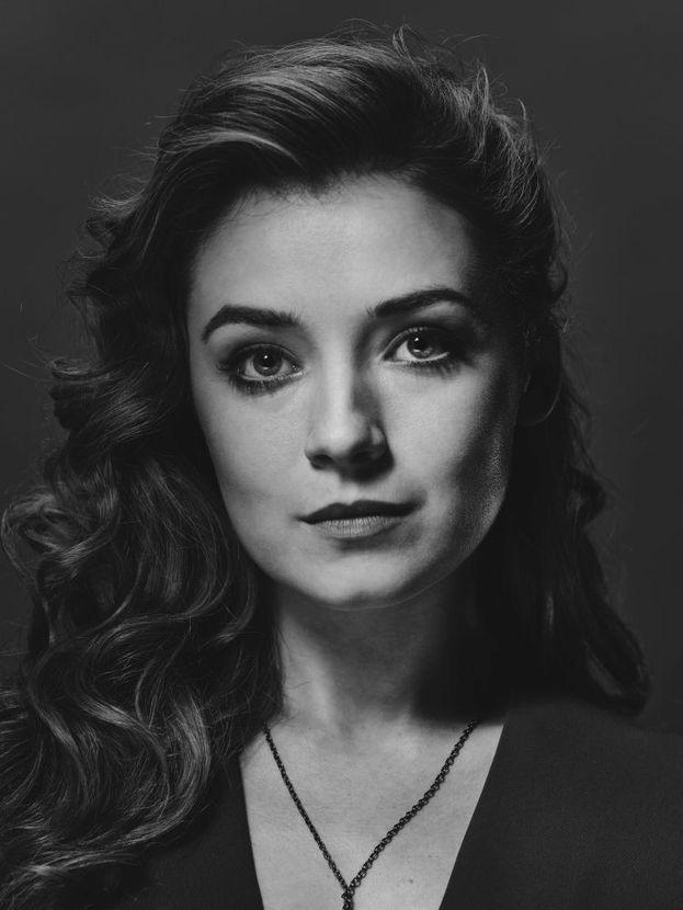 Jade (Sarah Bolger)