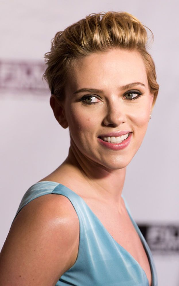 """Scarlett Johansson - Ancora bambina, appena affacciata sul mondo di Hollywood, fece il provino per """"Jumanji"""" (1995) ma le preferirono Kirsten Dunst. Un paio di anni più tardi riuscì a entrare nel cast di """"L'uomo che sussurrava ai cavalli"""" (1998), e da lì in avanti strada spianata."""