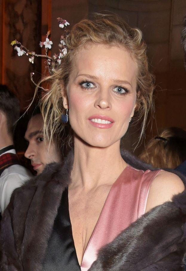 Eva Herzigova - Si parla di un flirt clandestino con la ex top model nel 1998, mentre lei era impegnata con Tico Torres, batterista dei Bon Jovi.