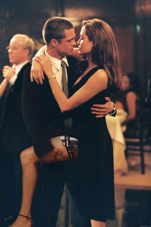 """Angelina Jolie. Solo una come lei poteva mettere in crisi un matrimonio che sembrava di ferro. Brad e Angelina si conoscono nel 2004 sul set di """"Mr. & Mrs. Smith"""", e il resto è storia nota."""