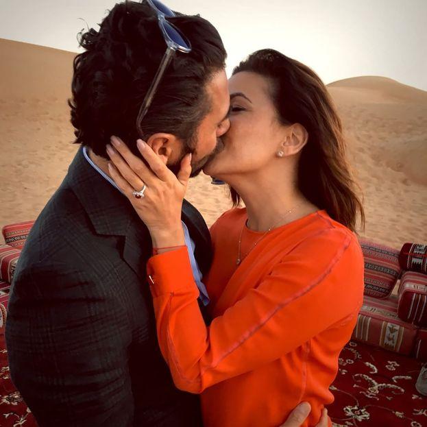 "Eva Longoria: ""Mmm, è successo... #Engaged #Dubai #Happiness"""