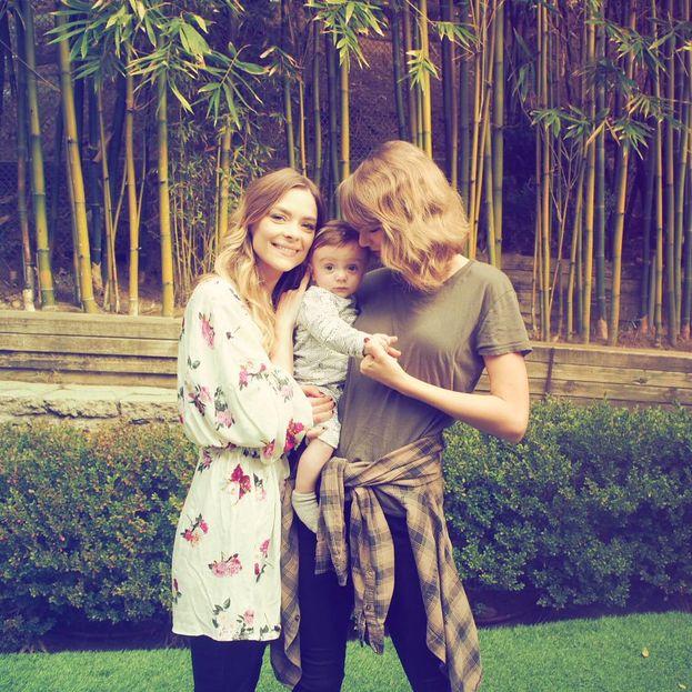 Jaime King: dentro. Taylor è pure la madrina di suo figlio!
