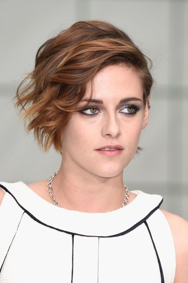 """Kristen è fonte di ispirazione anche per il viso: se in foto vieni male quando sorridi, punta sul """"broncetto""""."""