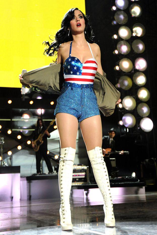 Mai visto una bandiera americana più sexy?