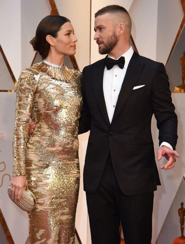 Per la serie: come essere una delle donne più belle del mondo e acchiappare uno come Justin Timberlake, ma non sentirsi soddisfatta di se stessa. Jessica Biel vorrebbe avere meno brufoli, le gambe più lunghe e i fianchi più sottili.
