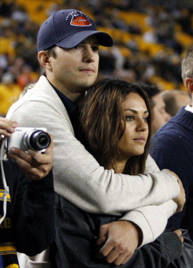 Mila Kunis e Ashton Kutcher - Del loro matrimonio non si sa niente di niente, a parte che si è svolto nel luglio 2015.
