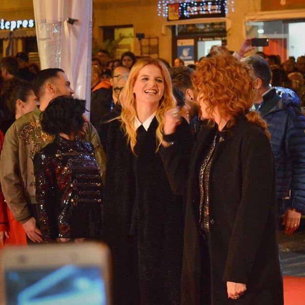 Chiara e Fiorella Mannoia, le due rosse del Festival insieme sul... red carpet :)