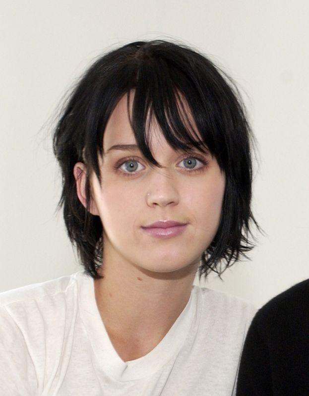 Katy Perry ha parlato più volte dell'insicurezza (soprattutto a inizio carriera) causata dai suoi problemi di pelle e di acne.