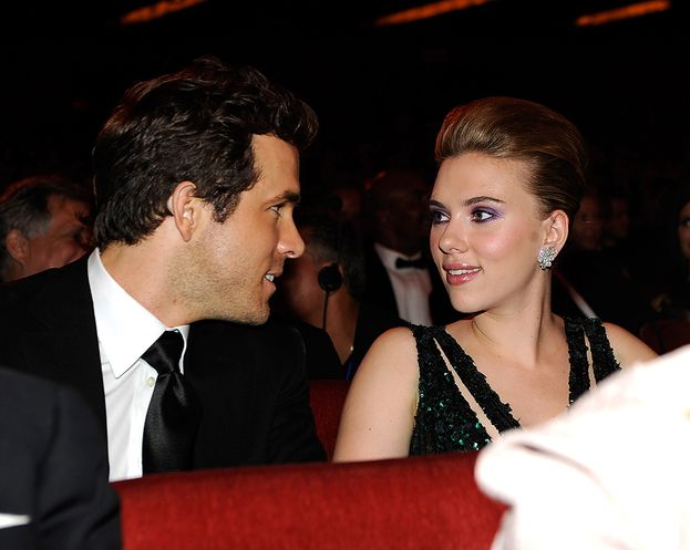 Scarlett Johansson: 2 volte. Ryan Reynolds e Romain Dauriac