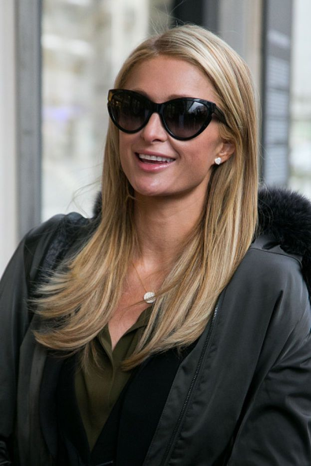 Quando nel 2007 Paris Hilton entrò in carcere (per aver guidato più volte con una patente non valida), comparve in Rete una finta pagina della CNN che sosteneva che l'ereditiera fosse stata accoltellata da una detenuta.