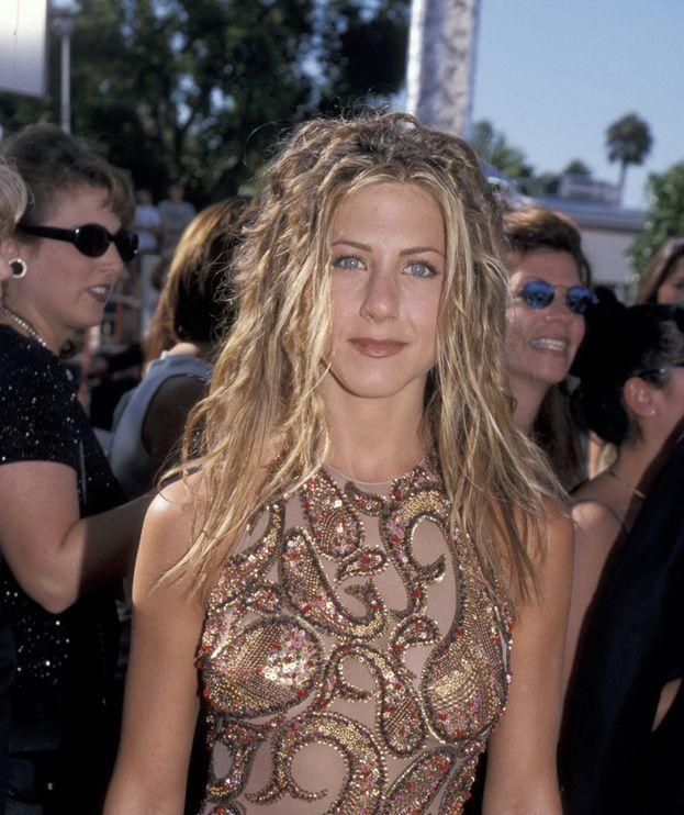 Negli anni '90 si vedeva di tutto, compresa Jennifer Aniston con i rasta O_O