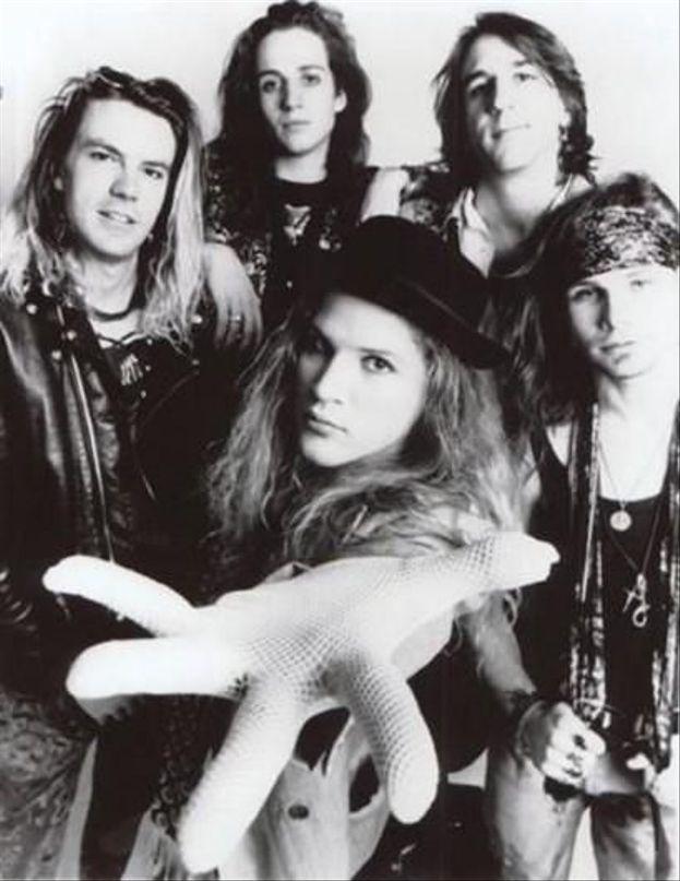 Andrew Wood era il cantante dei pionieri Mother Love Bone (band che annoverava nelle sue fila Stone Gossard e Jeff Ament, poi nei Temple of the Dog con Chris Cornell e nei Pearl Jam). È morto nel 1990 per overdose di eroina.