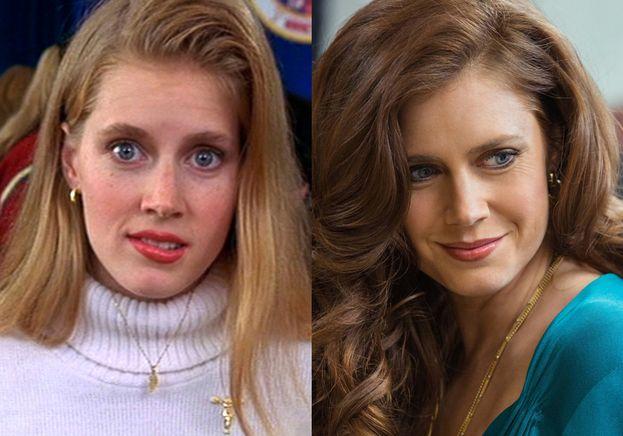 A sinistra: Amy Adams a 25 anni (era il 1999). A destra: Amy Adams oggi. Non è mai troppo tardi!