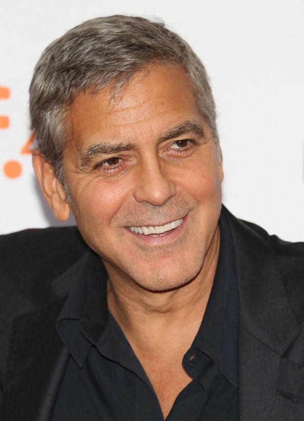 George Clooney da ragazzo sognava di diventare un giocatore di baseball e ha avuto davvero una chance per entrare in una squadra professionista, ma non l'hanno preso.