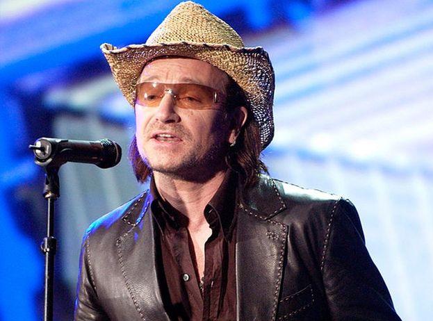 Bono ha sborsato 1700 dollari in un cappello che... aveva già comprato! È questa la cifra che ha pagato per riaverlo dopo averlo perso durante un viaggio nel nostro Paese