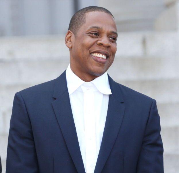 """Jay Z: """"Ci sono persone con un sacco di soldi che non sono felici, perché sono diventate prigioniere dei loro soldi, o perché sono così ossessionate dal guadagnarne sempre di più che non si concedono tempo per la felicità""""."""