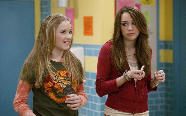 """Miley Cyrus in """"Hannah Montana"""" - Ha fatto il provino per la parte di Lilly (andata a Emily Osment). Invece le hanno dato la parte di Miley-Hannah :)"""